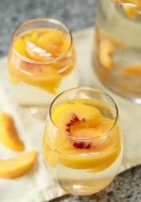 How to Make White Peach Sangria