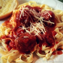 Fettuccine with Garlicky Meatballs