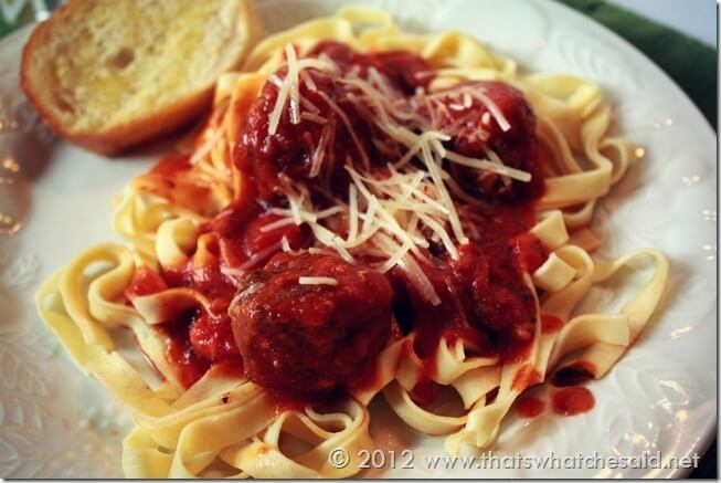 Garlicky Meatballs with Fettuccine Pasta