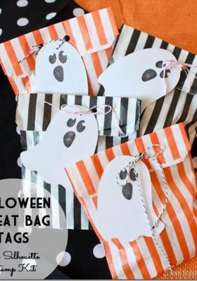 Halloween-Treat-Bags-with-Ghost-Stamped-Tags