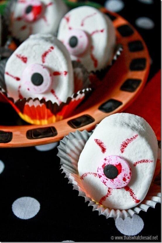 Eyeball Marshmallow treats with thatswhatchesaid.net