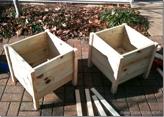 Make your Own Flower Boxes wtih thatswhatchesaid.net