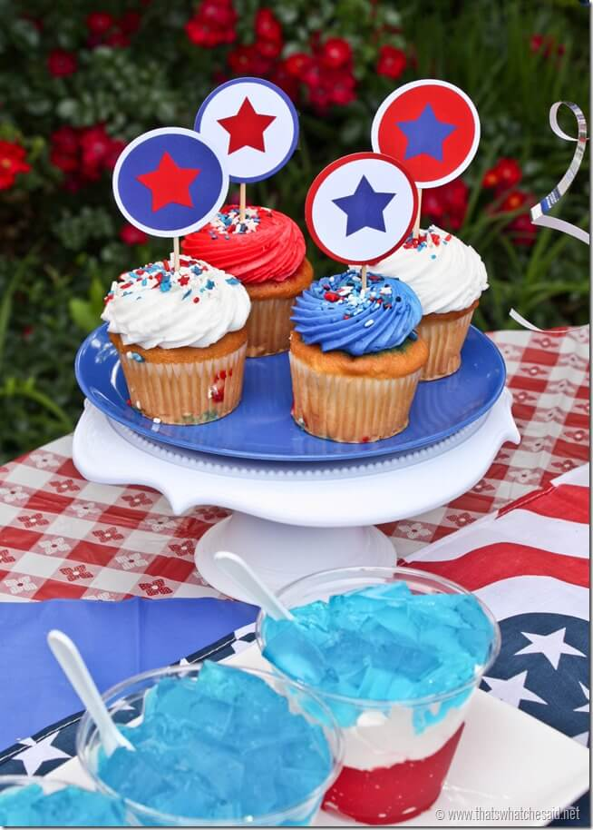 Patriotic Cupcake Toppers at thatswhatchesaid.com
