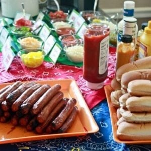 Fun-Easy-Hot-Dog-Bar-at-thatswhatchesaid.com