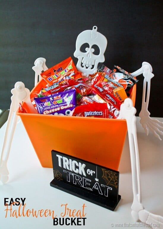 Easy Halloween Treat Bucket at thatswhatchesaid.com