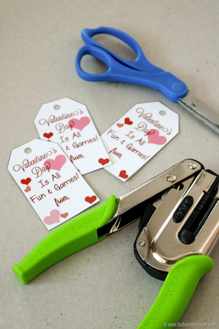 Make your Own Tic-Tac-Toe Valentine at www.thatswhatchesaid.com