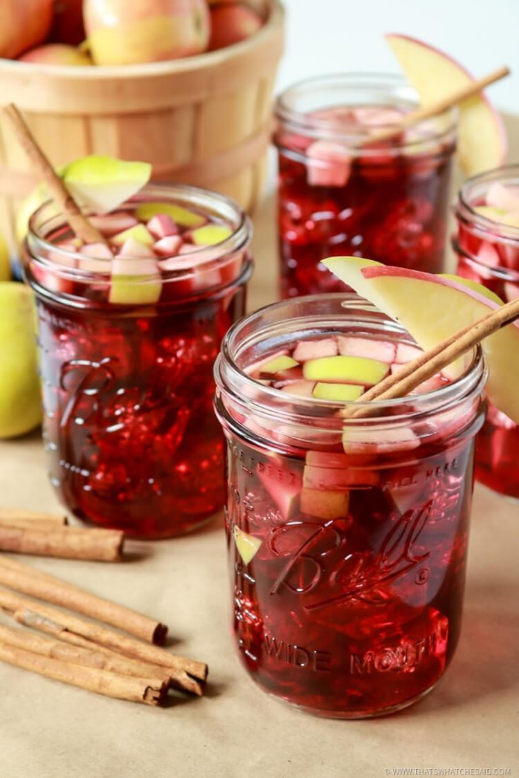Fall Sangria Recipe - apples, cinnamon and spices! The Perfect Apple Cinnamon Sangria Recipe