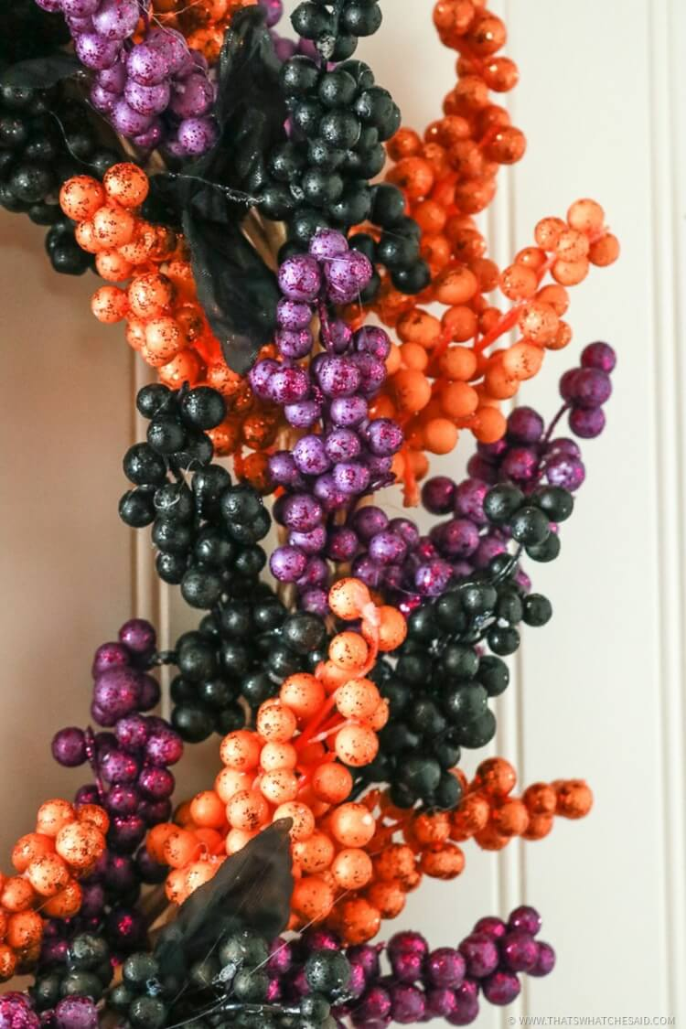 How to make a Halloween Wreath with Berries