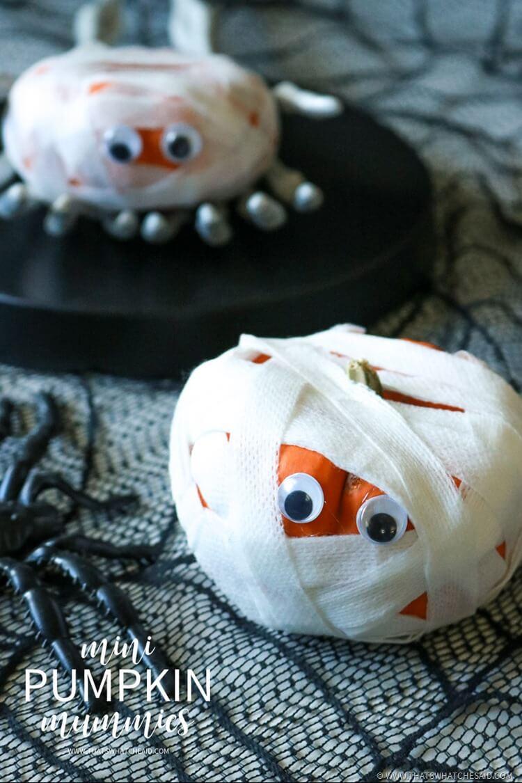 Halloween Kids Craft Idea - Mini Pumpkin Mummies