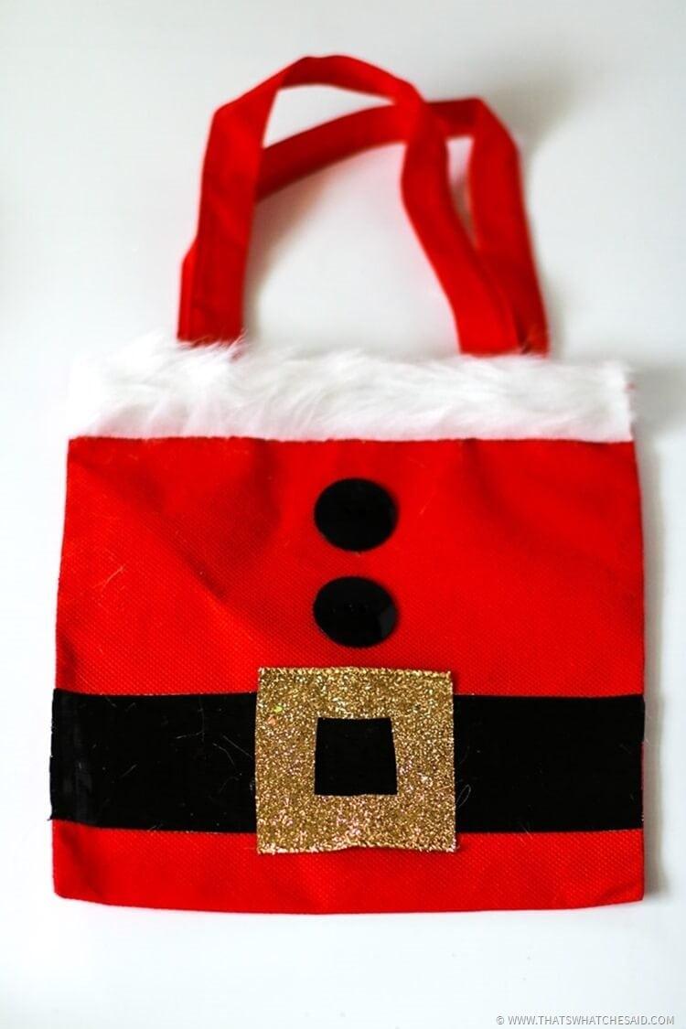 Santa Gift Bags | Christmas Gift Wrap Idea - That\'s What {Che} Said...