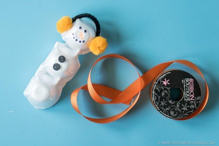 How to Make an Egg Carton Snowman