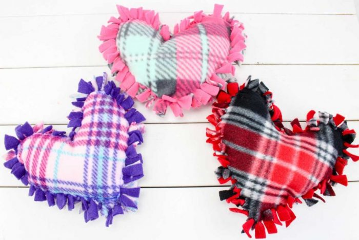 No Sew Heart Small Pillows