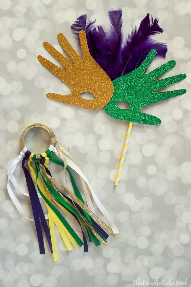 Mardi gras parade shakers mason jar ring parade streamers for Mardi gras masks crafts