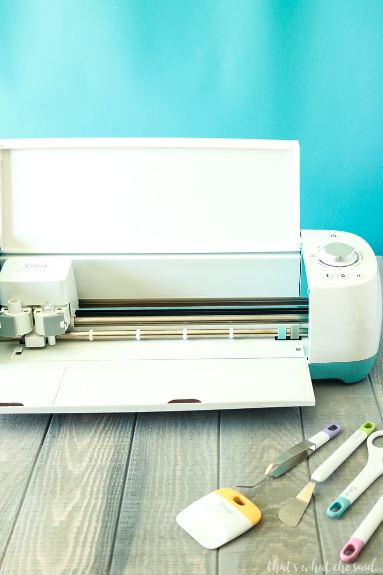 Tutorials on How to use your Cricut Machine, the software and the materials.