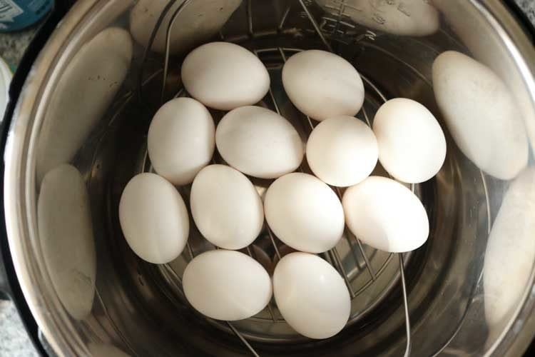 How Long to Cook hard Boiled eggs in an a pressure cooker