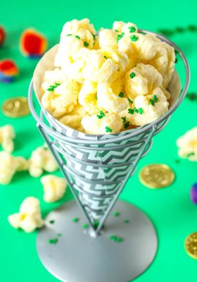 St Patrick's Day Shamrock Puffcorn Crack Recipe