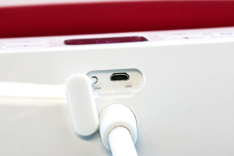 Close up of mini USB port on back of EasyPress 2