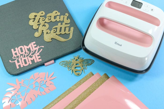 EasyPress 2 Rose Bundle contents - machine, mat, materials and pre-cut designs