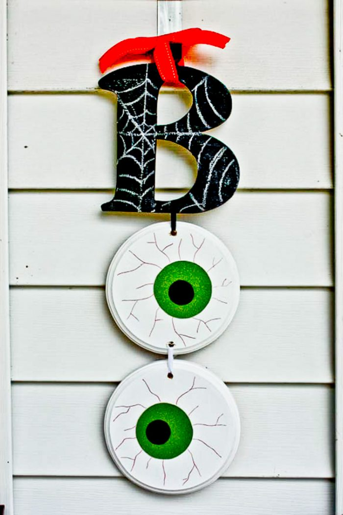 Boo Wall Hanging on Siding